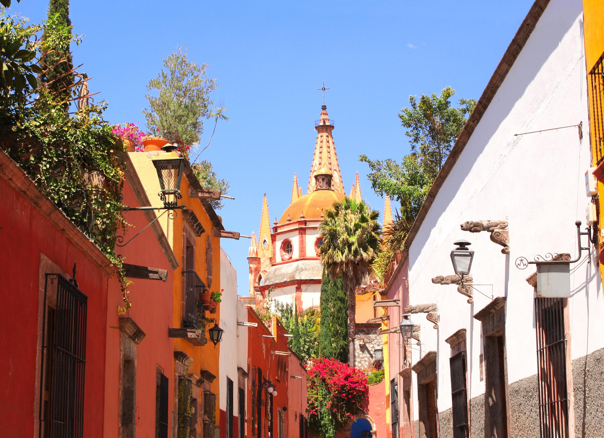 Honeymoon In The Charming Colonial Era San Miguel De Allende