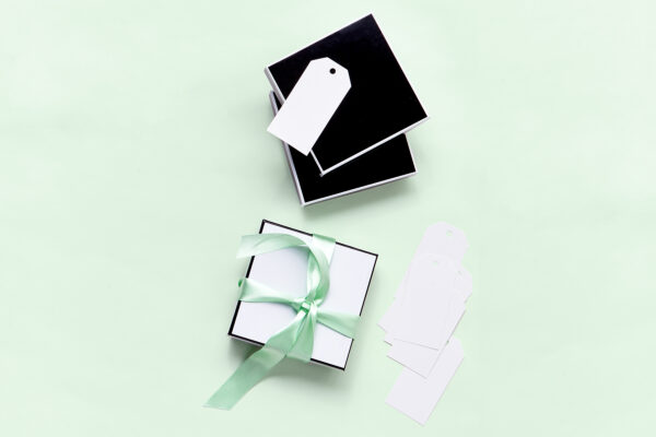 Wedding Gifting 101 Who To Buy Gifts For At Your Wedding And Why