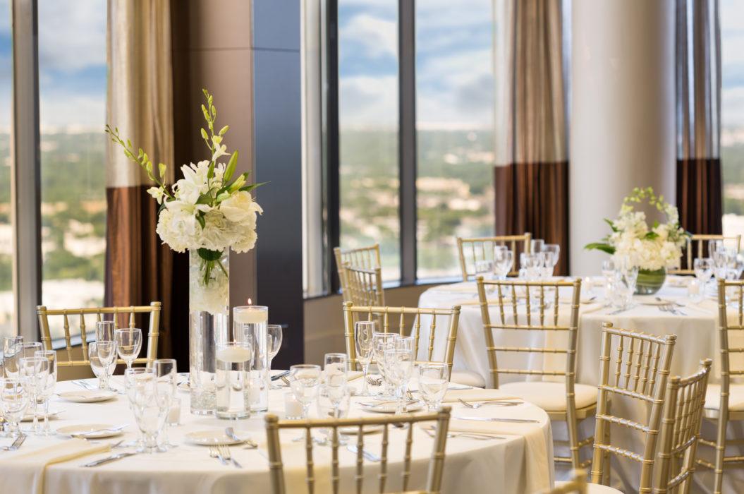 Doubletree By Hilton Hotel Dallas Wedding Venue Dallas Tx